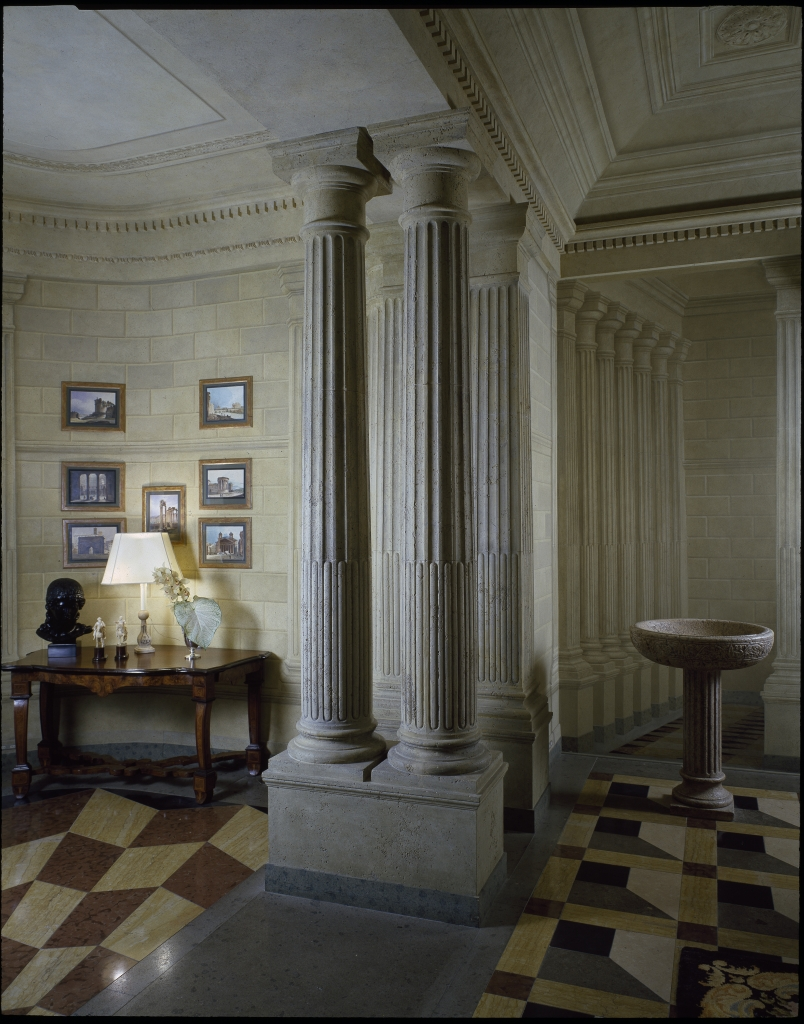 Renzo Mongiardino, Casa Versace (foto di Massimo Listri)